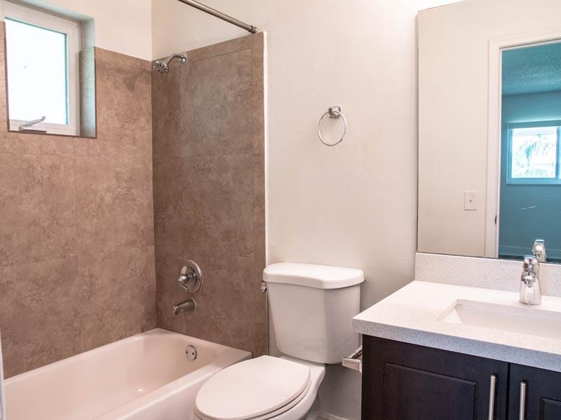 2 bedroom 2 bath bathroom