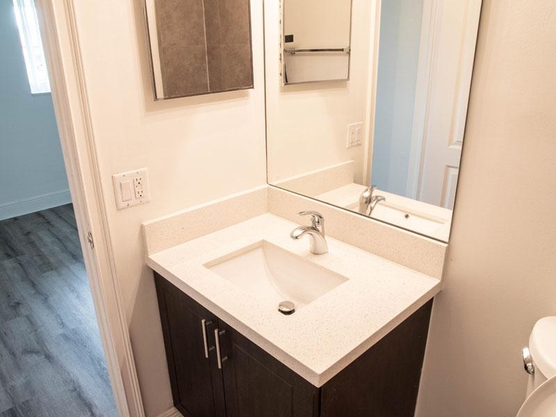 2 bedroom 1 bath bathroom
